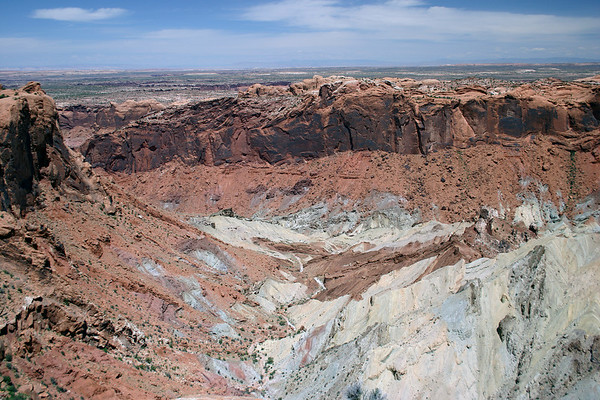 Upheaval Dome - about 3 mi. (5 km) in diameter - northern section of the Canyonlands National Park