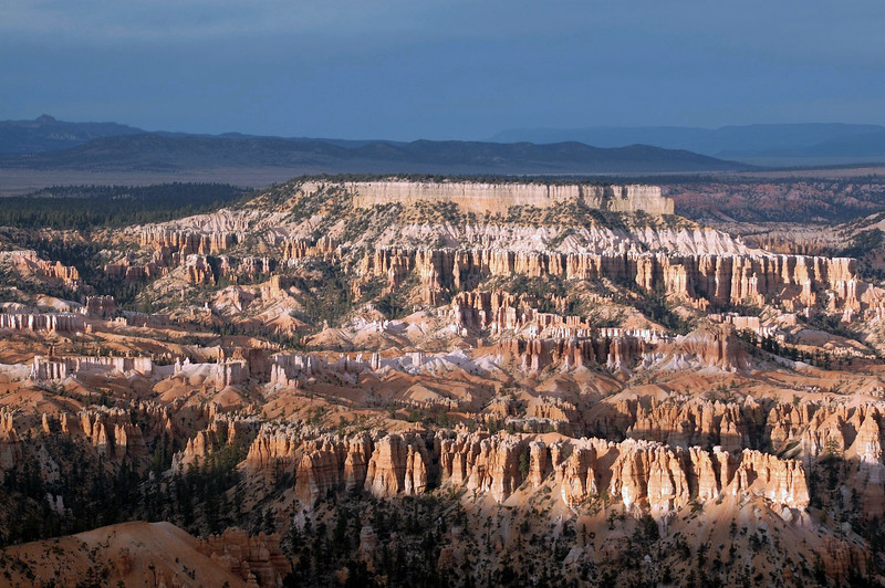 Evening sunlight upon Boat Mesa - Bryce Canyon National Park