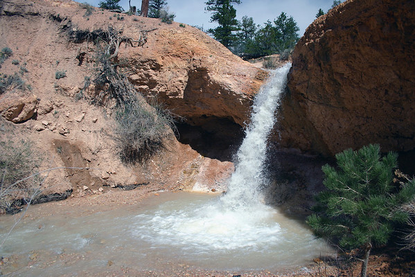 Waterfall along the Water Canyon - Bryce Canyon National Park