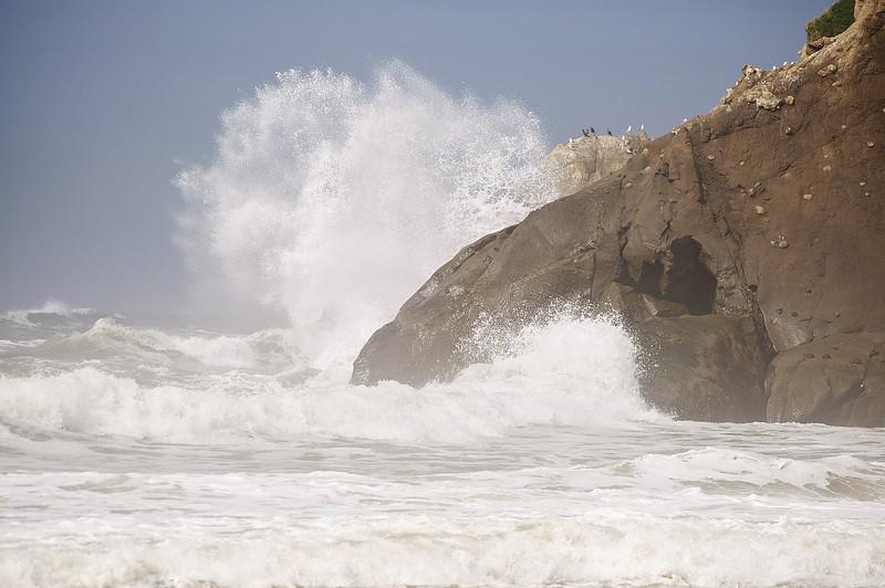 crashing-surf