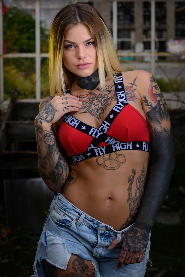 Sara Surprisink - 028