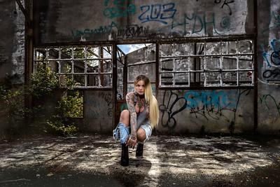 Sara Surprisink - 017