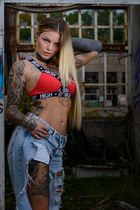 Sara Surprisink - 036