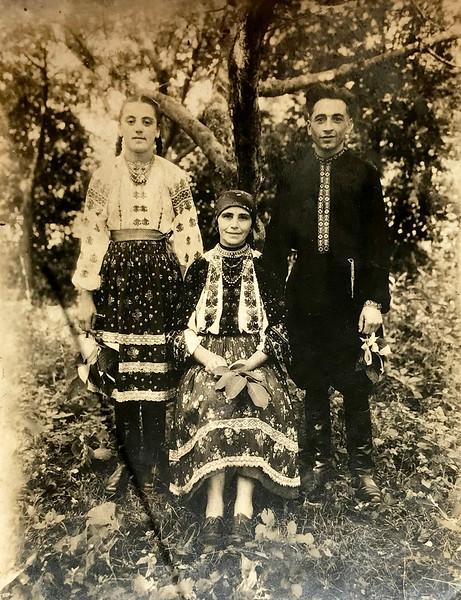 Торське-Пруса: Надія Скларчук, Михайліна Склярчук (мама), Михайло Скларчук