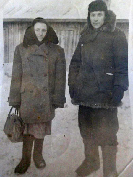Ганна Склярчук, членкиня ОУН і Мар'ян Слота, член УПА, з села Торське. Під час заслання у Воркуті. 1955. Сибірі