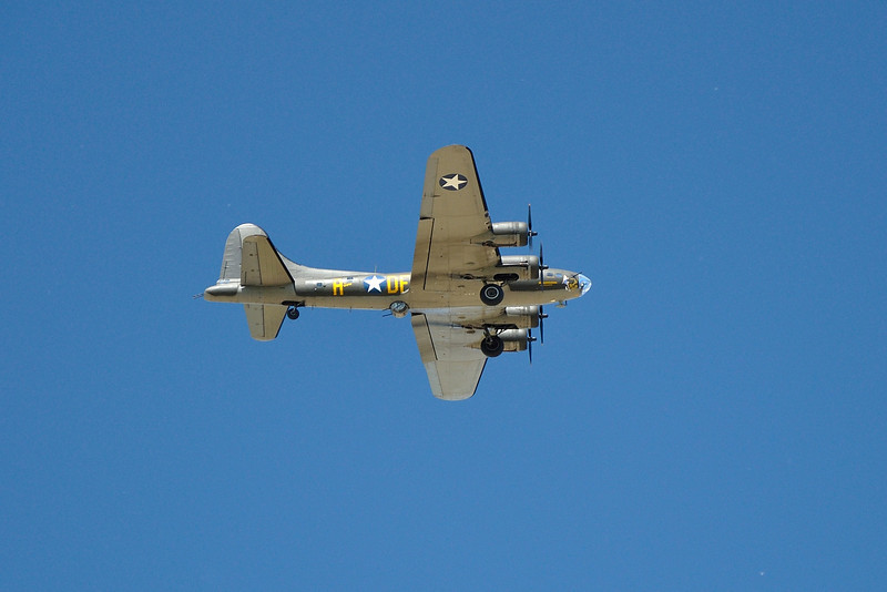 "Famous B-17 ""Memphis Belle"" flies overhead at South Avon.  Nikon D5000 (June 2010)."