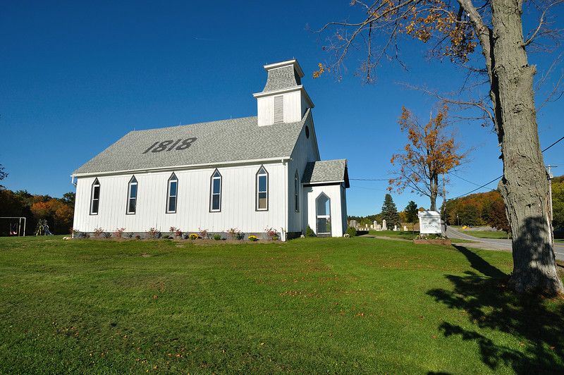 The Presbyterian Church at Ossian Center.  Nikon D5000 (October 2010).