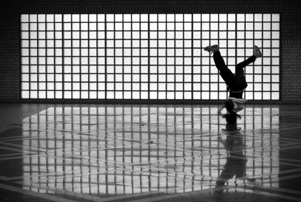 subway-dancer