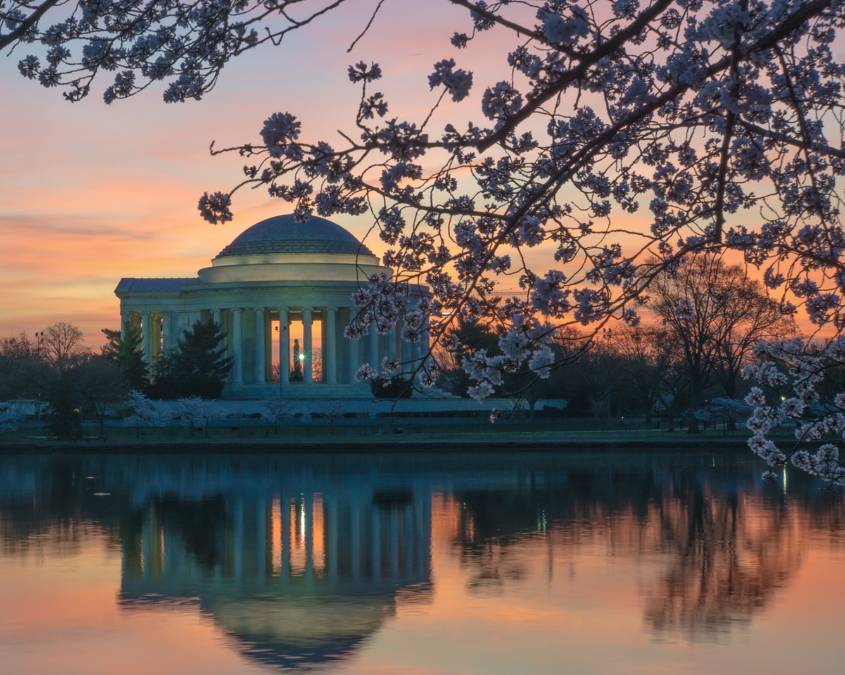 Sunrise at the Jefferson Memorial