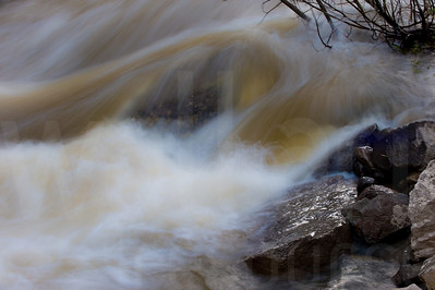Moving Water 014 | Wall Art Resource
