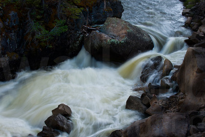 Moving Water 015 | Wall Art Resource