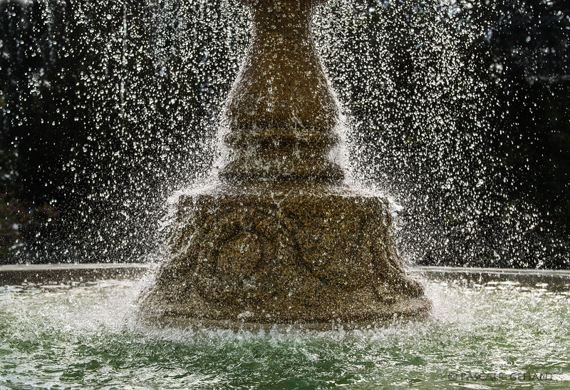 Dripping fountain 2