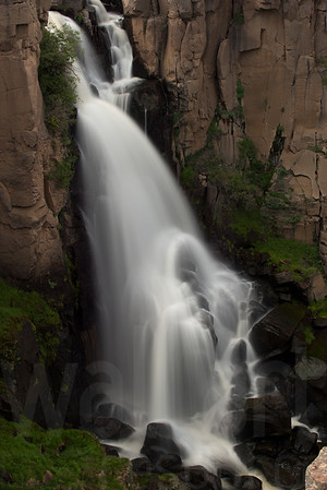 Moving Water 022 | Wall Art Resource