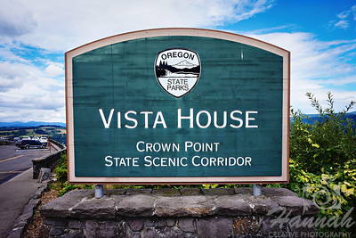 Signage at the Crown Point State Scenic Corridor  Columbia River Gorge Scenic Area, Oregon, U.S.A.  © Copyright Hannah Pastrana Prieto