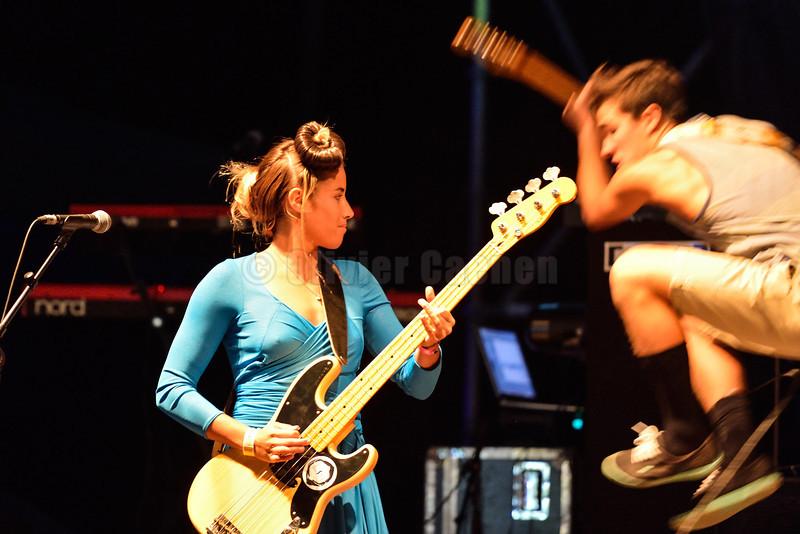Concert Tom Frager et Gwayav Place des Landais Betty the Sharks avec Lee-Ann Curren