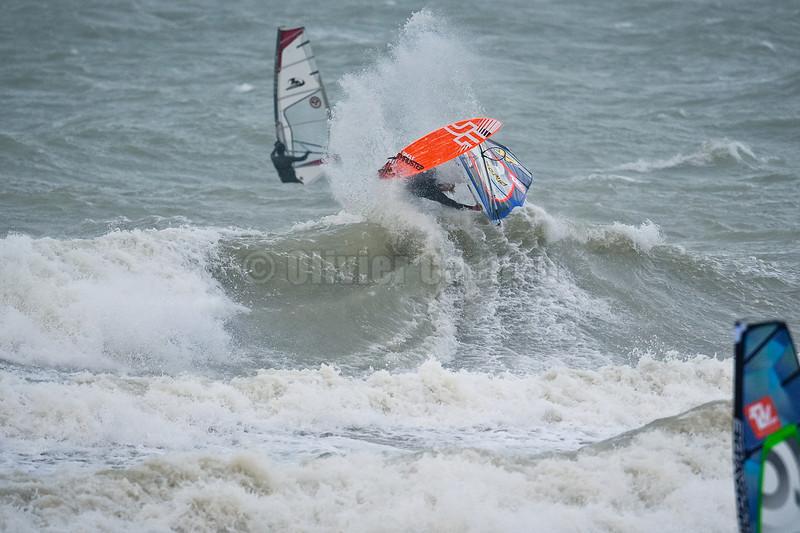 Jules Denel-FRA 41-JP/PRyde  Session Windsurf matinale à Wissant 22/12/2013