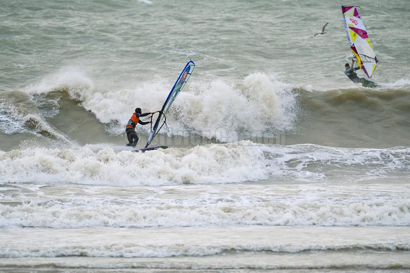 Guillaume Darras Session Windsurf matinale à Wissant 22/12/2013