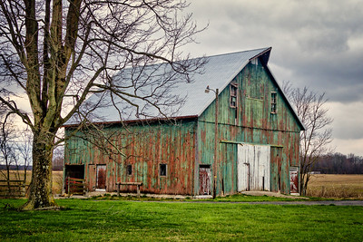 weathered old barns countryroadsphoto