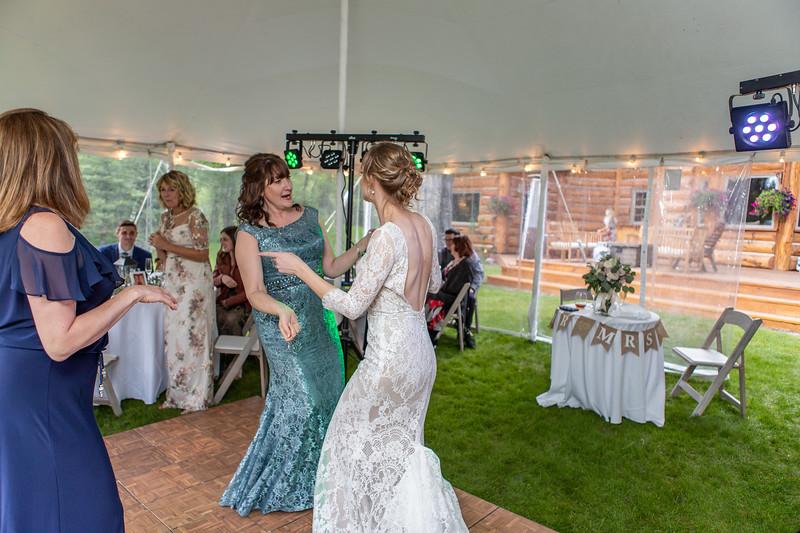 20190622WY_Lindsey Bennett_& Derek_McIlvaine_Wedding (2336)