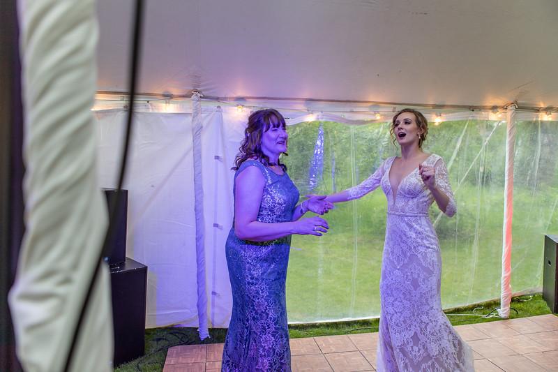 20190622WY_Lindsey Bennett_& Derek_McIlvaine_Wedding (2639)