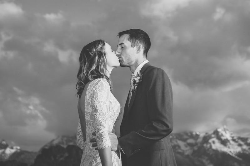 20190622WY_Lindsey Bennett_& Derek_McIlvaine_Wedding (155)-3