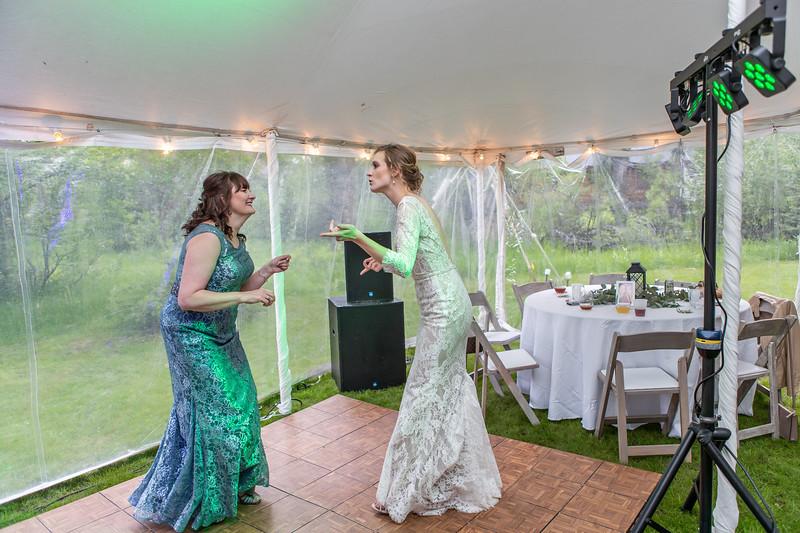 20190622WY_Lindsey Bennett_& Derek_McIlvaine_Wedding (2616)