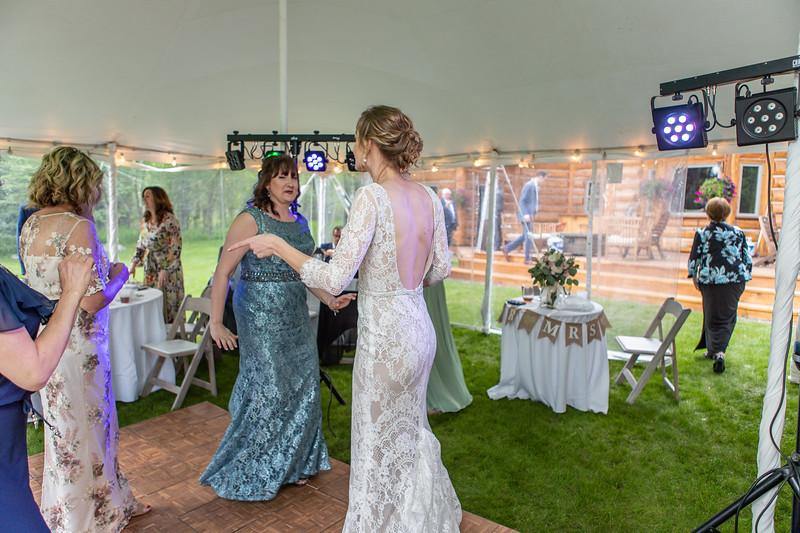 20190622WY_Lindsey Bennett_& Derek_McIlvaine_Wedding (2355)