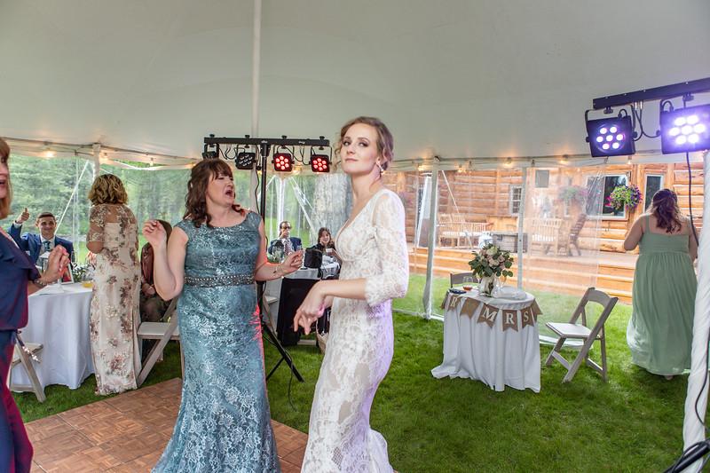 20190622WY_Lindsey Bennett_& Derek_McIlvaine_Wedding (2334)