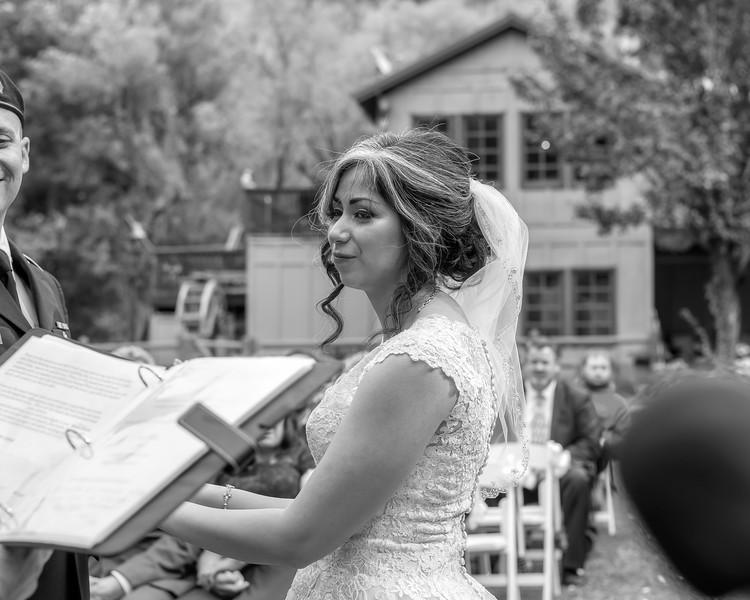 20181006-Benjamin_Peters_&_Evelyn_Calvillo_Wedding-Log_Haven_Utah (1536)LS2-2