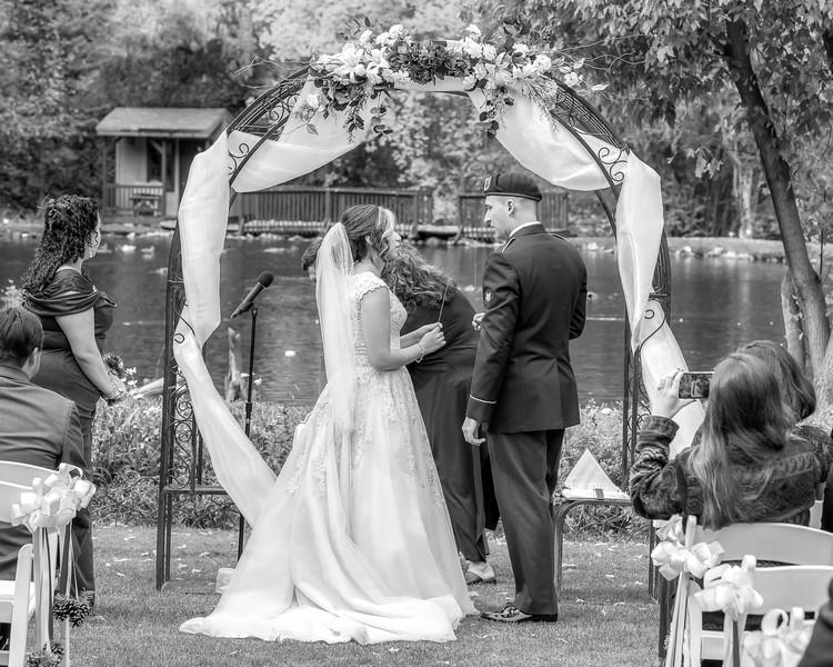 20181006-Benjamin_Peters_&_Evelyn_Calvillo_Wedding-Log_Haven_Utah (1254)LS2-2