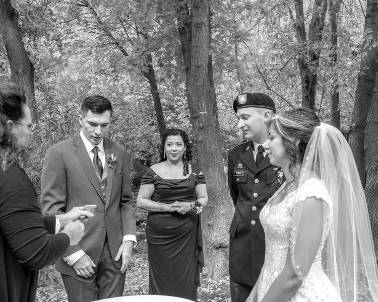 20181006-Benjamin_Peters_&_Evelyn_Calvillo_Wedding-Log_Haven_Utah (1879)LS2-2