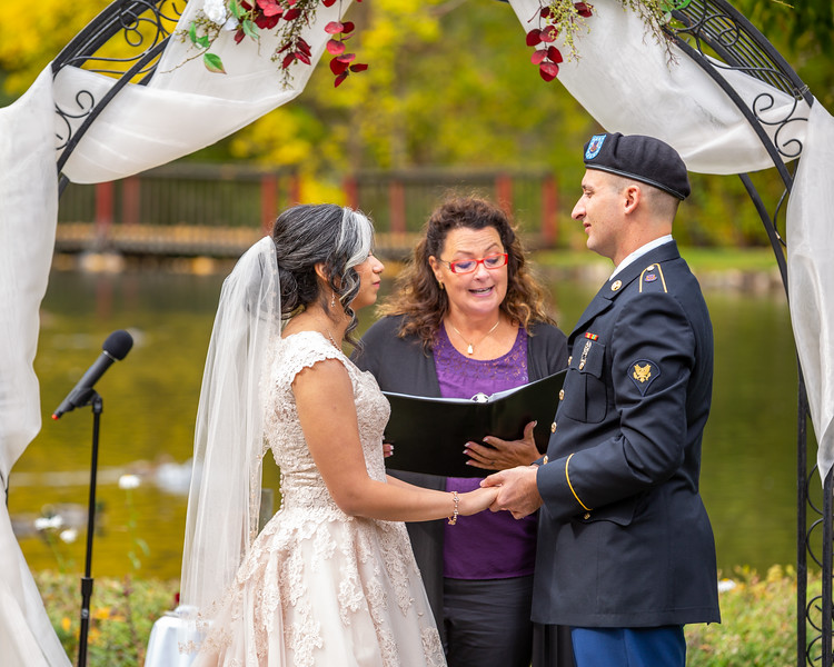 20181006-Benjamin_Peters_&_Evelyn_Calvillo_Wedding-Log_Haven_Utah (1147)