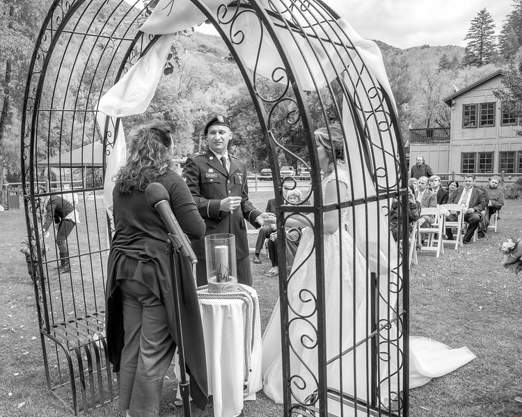 20181006-Benjamin_Peters_&_Evelyn_Calvillo_Wedding-Log_Haven_Utah (1277)LS2-2