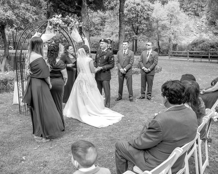 20181006-Benjamin_Peters_&_Evelyn_Calvillo_Wedding-Log_Haven_Utah (1194)LS2-2
