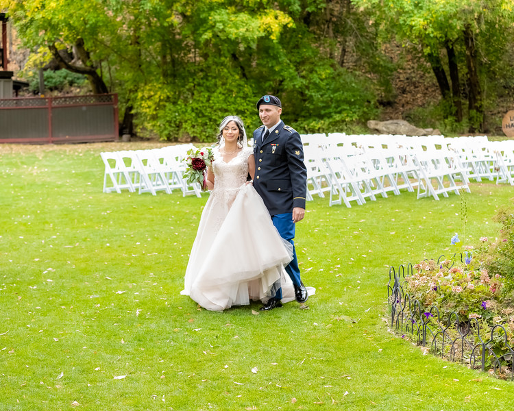 20181006-Benjamin_Peters_&_Evelyn_Calvillo_Wedding-Log_Haven_Utah (3355)LS2