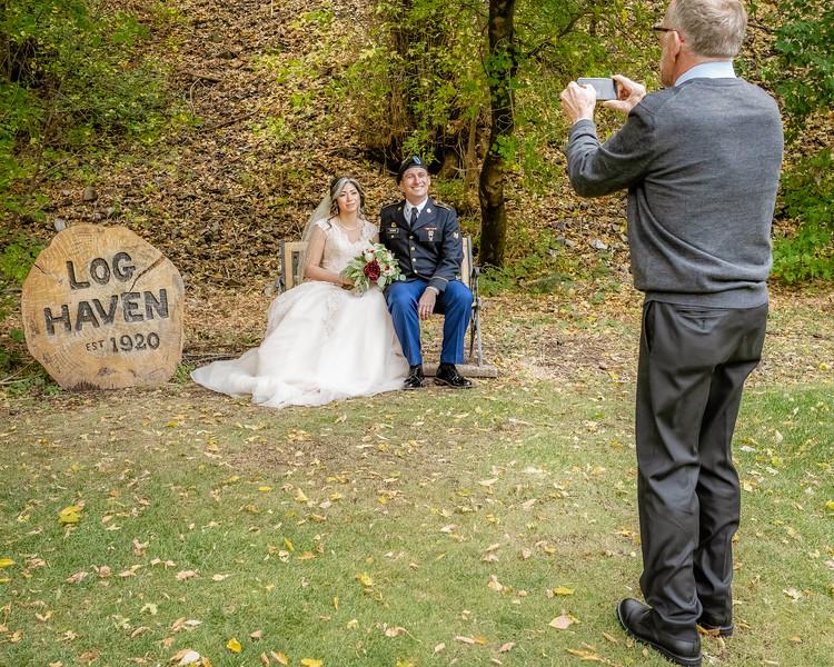 20181006-Benjamin_Peters_&_Evelyn_Calvillo_Wedding-Log_Haven_Utah (2945)Moose1