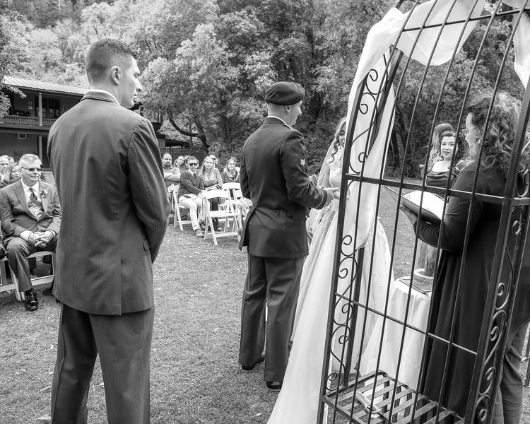 20181006-Benjamin_Peters_&_Evelyn_Calvillo_Wedding-Log_Haven_Utah (1564)LS2-2