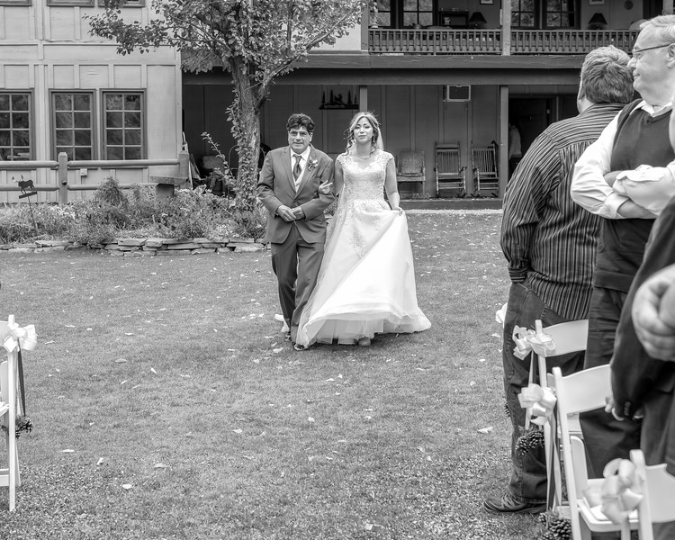 20181006-Benjamin_Peters_&_Evelyn_Calvillo_Wedding-Log_Haven_Utah (846)LS2-2