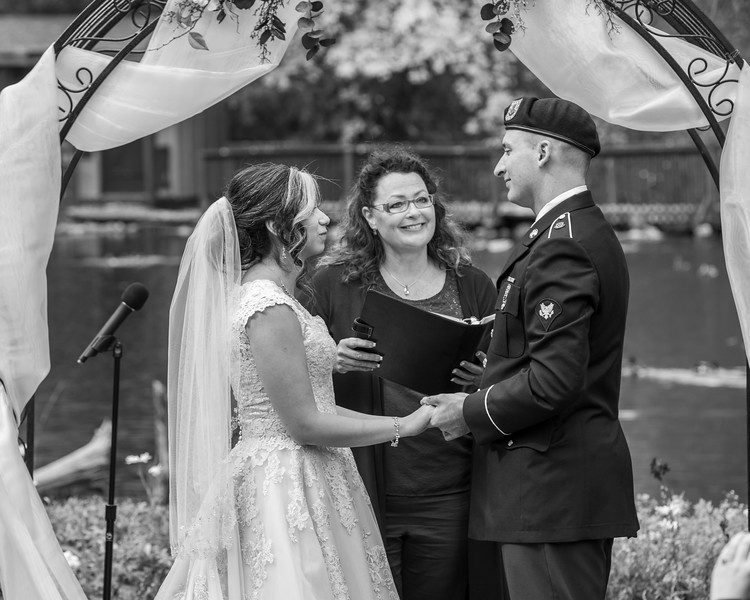 20181006-Benjamin_Peters_&_Evelyn_Calvillo_Wedding-Log_Haven_Utah (1226)-2