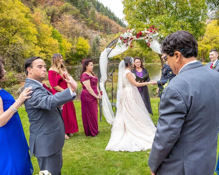 20181006-Benjamin_Peters_&_Evelyn_Calvillo_Wedding-Log_Haven_Utah (910)LS2