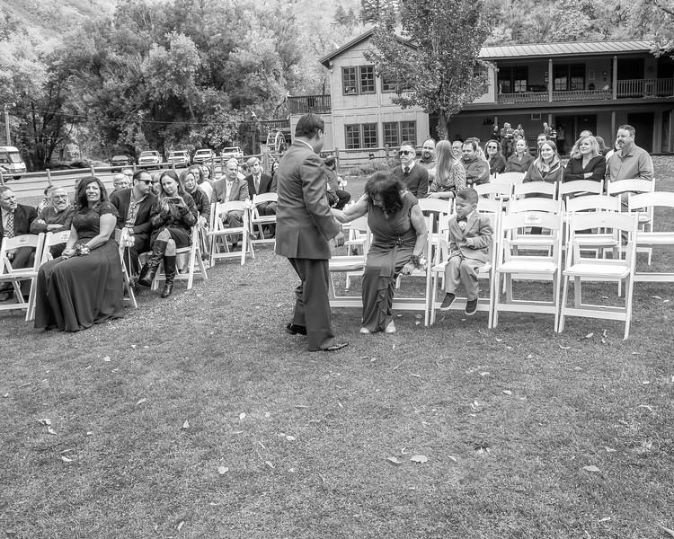 20181006-Benjamin_Peters_&_Evelyn_Calvillo_Wedding-Log_Haven_Utah (663)LS2-2