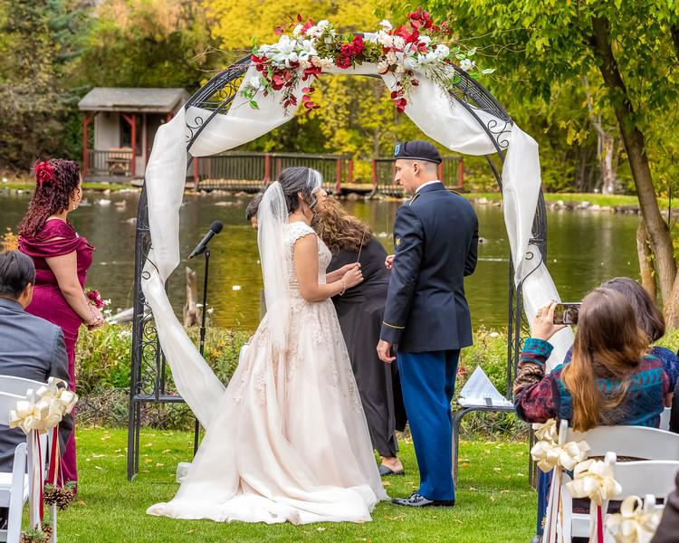 20181006-Benjamin_Peters_&_Evelyn_Calvillo_Wedding-Log_Haven_Utah (1254)LS2