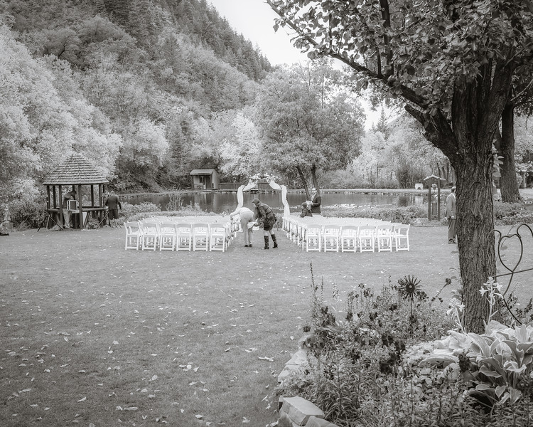 20181006-Benjamin_Peters_&_Evelyn_Calvillo_Wedding-Log_Haven_Utah (3)PHT1-E-2