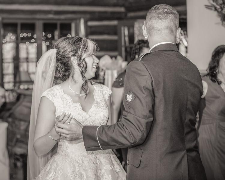 20181006-Benjamin_Peters_&_Evelyn_Calvillo_Wedding-Log_Haven_Utah (4200)123MI-2