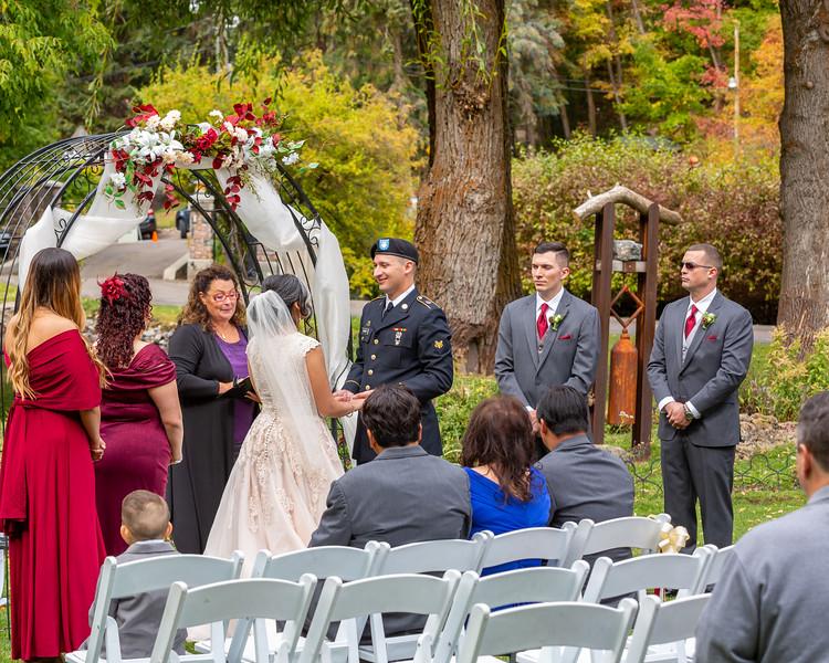 20181006-Benjamin_Peters_&_Evelyn_Calvillo_Wedding-Log_Haven_Utah (1093)