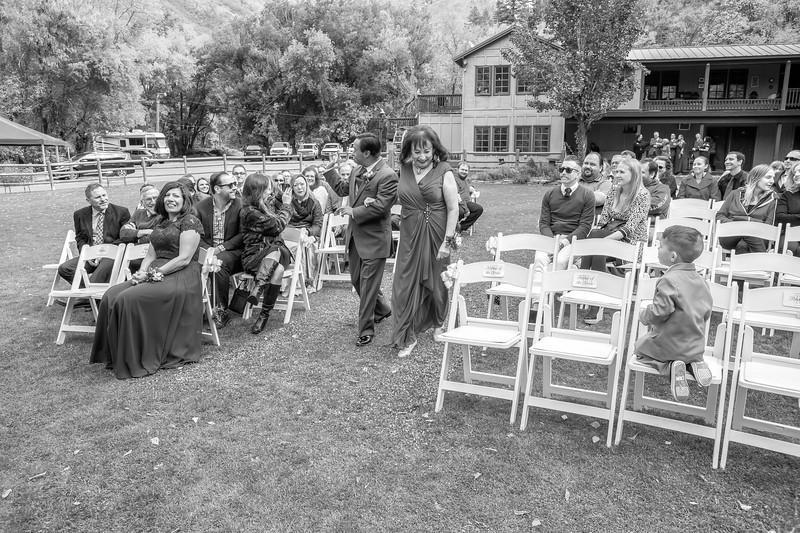 20181006-Benjamin_Peters_&_Evelyn_Calvillo_Wedding-Log_Haven_Utah (659)LS2-2