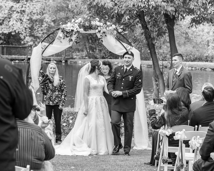 20181006-Benjamin_Peters_&_Evelyn_Calvillo_Wedding-Log_Haven_Utah (1638)-2