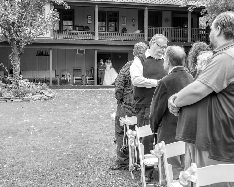 20181006-Benjamin_Peters_&_Evelyn_Calvillo_Wedding-Log_Haven_Utah (795)LS2-2
