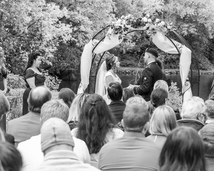 20181006-Benjamin_Peters_&_Evelyn_Calvillo_Wedding-Log_Haven_Utah (1567)-2