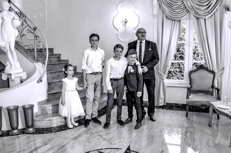 Grand children with there Grandpapa W & W.jpg